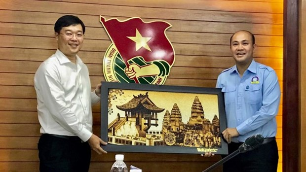 Vietnamese youth union leader wants more exchanges with Cambodia hinh anh 1