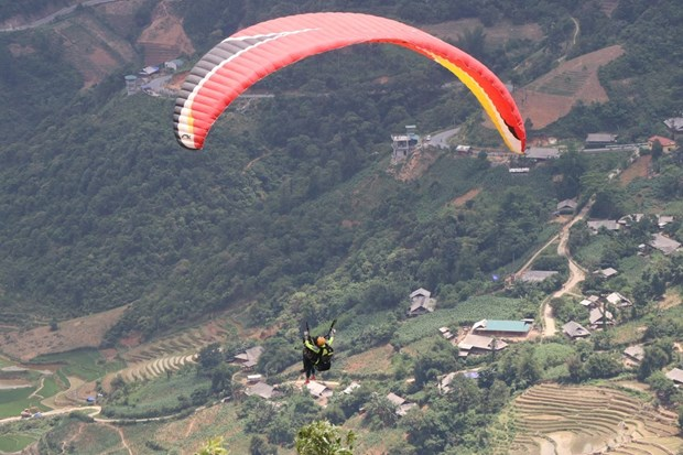 Paragliding festival to return to Yen Bai next month hinh anh 1