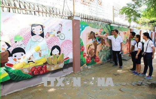 """Brighten up your life"" art project launched in Da Nang hinh anh 1"