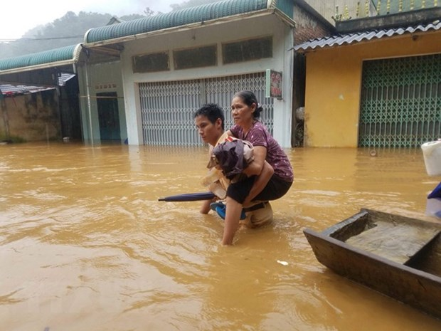 Floods leave 19 dead, missing in northern, central provinces hinh anh 1
