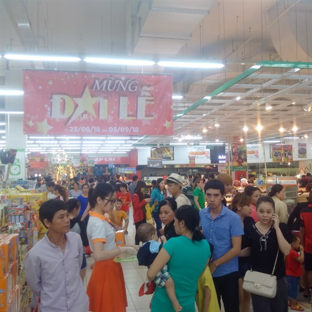 HCM City supermarkets see sales surge during holidays hinh anh 1