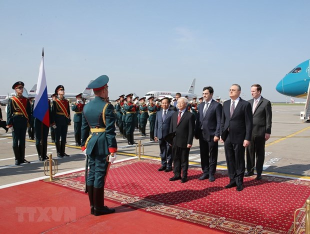 Party leader begins Russia visit hinh anh 3