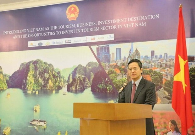 Tourism, business opportunities in Vietnam introduced in Indonesia hinh anh 1