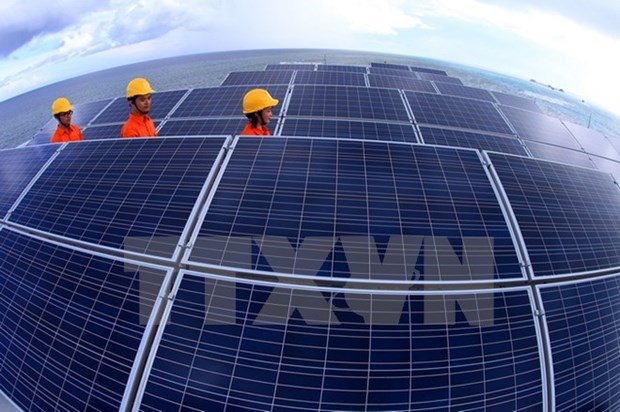 Solar energy investors racing for incentives hinh anh 1