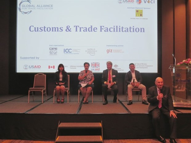 Customs bond aids trade: experts hinh anh 1
