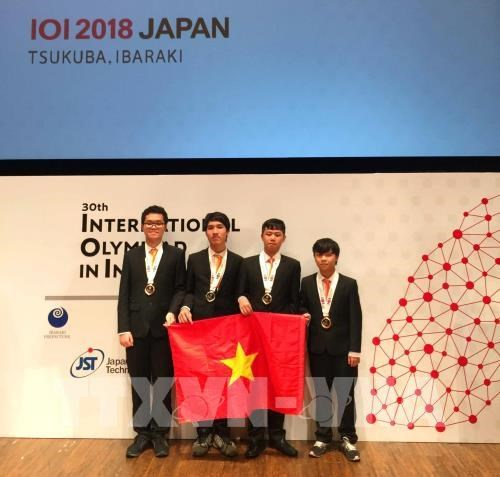 Vietnamese students win four medals at Int'l Olympiad in Informatics hinh anh 1