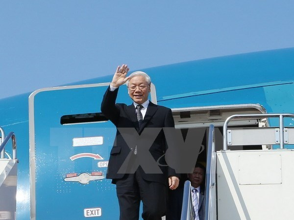 Party leader concludes Russia visit, starts trip to Hungary hinh anh 1