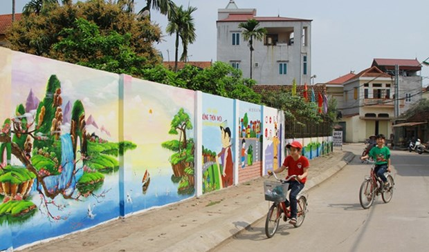 Flower roads in Hanoi's Dan Phuong district hinh anh 1
