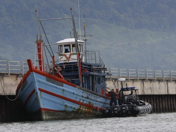 Indonesian fishermen kidnapped off Malaysia waters hinh anh 1