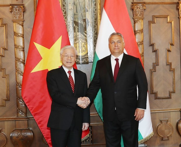 Party leader concludes Hungary visit hinh anh 1