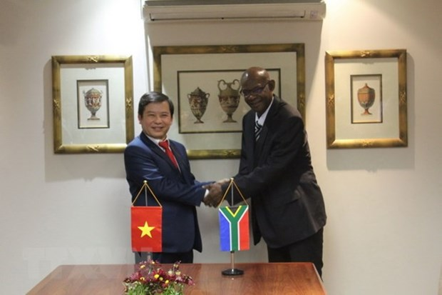 Vietnam, South Africa cooperate in crime combat hinh anh 1