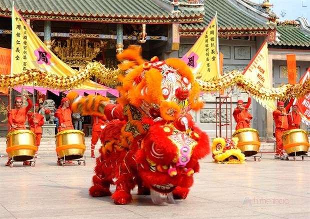 Lion dance teams to celebrate mid-Autumn festival hinh anh 1