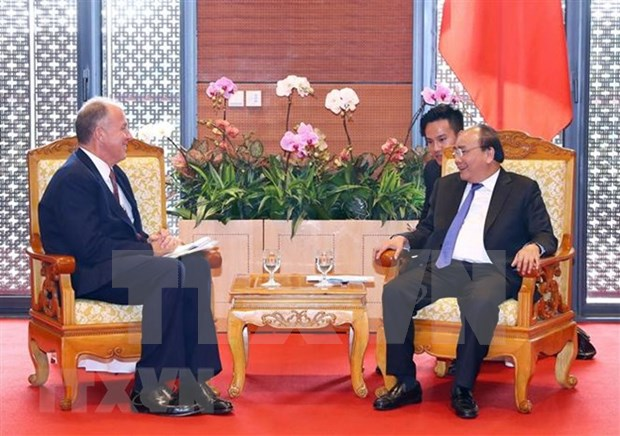 PM hosts GE leader on sidelines of WEF ASEAN 2018 hinh anh 1
