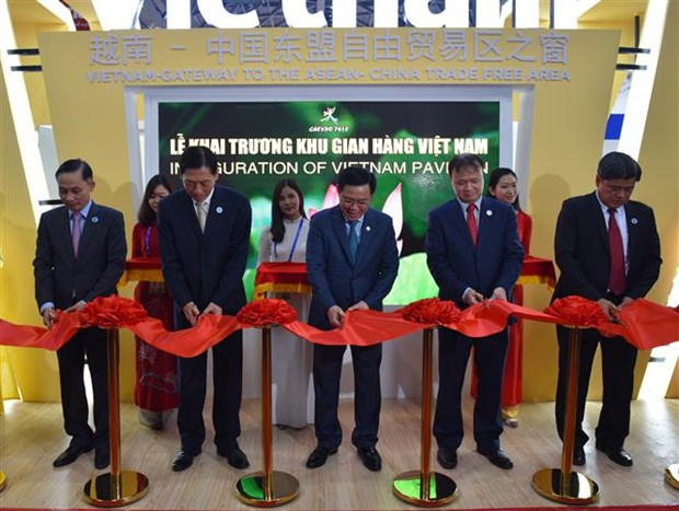 Vietnam supports ASEAN – China cooperation: Deputy PM hinh anh 2