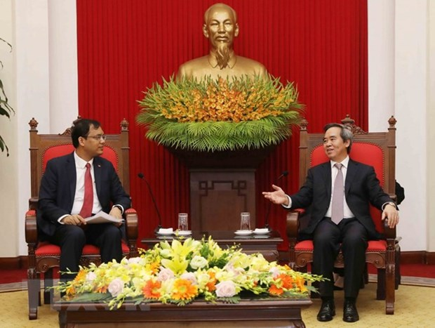 Vietnam consistently facilitates investors' development: Party official hinh anh 1
