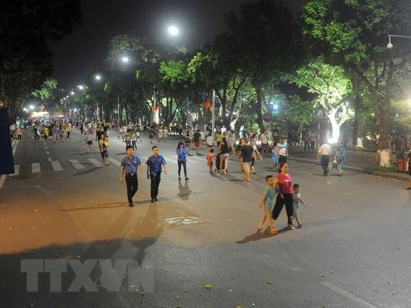 Hoan Kiem pedestrian zone – an attraction of Hanoi hinh anh 1