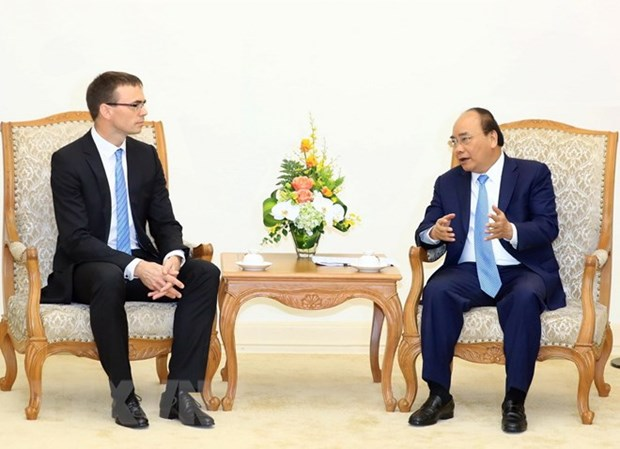 Vietnam wants to learn from Estonia's e-government experience: PM hinh anh 1