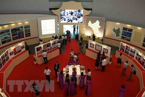 Over 1,000 precious items donated to Hanoi Museum hinh anh 1
