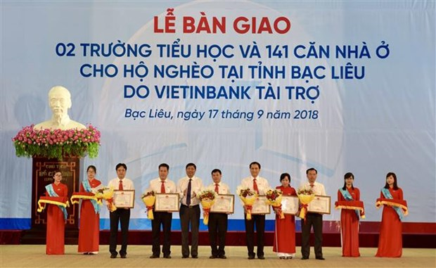 Bac Lieu: Schools, housing donated to disadvantaged families hinh anh 1