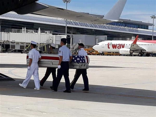 Remains of US servicemen repatriated hinh anh 1
