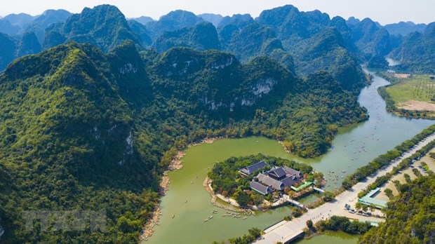Ninh Binh works to become tourism hub of Vietnam by 2020 hinh anh 1