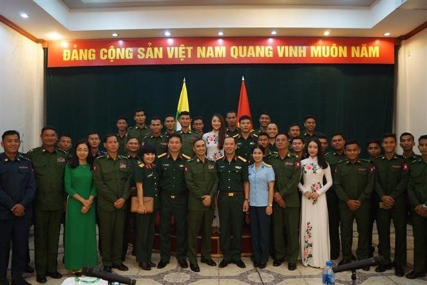Vietnam, Myanmar young army officers foster exchange hinh anh 1