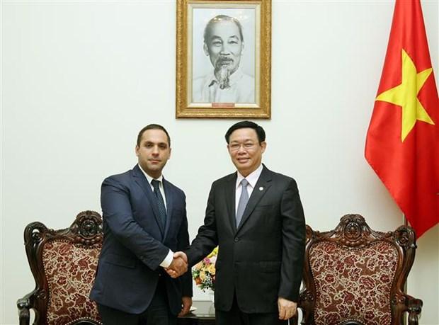 Deputy PM Vuong Dinh Hue receives Bulgarian guest hinh anh 1