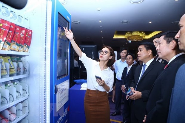 Smart City Summit expected to help Hanoi choose suitable steps hinh anh 1