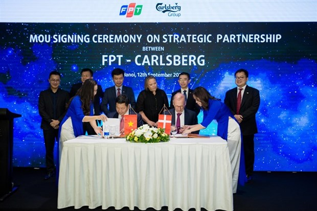 FPT becomes Carlsberg's technology partner hinh anh 1