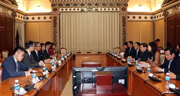 HCM City seeks Hong Kong's experiences in financial management hinh anh 1