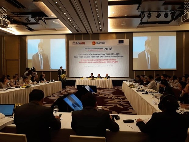 Challenges in restructuring financial sector hinh anh 1