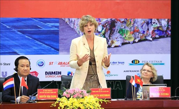 Netherlands shares experience in smart port development hinh anh 1