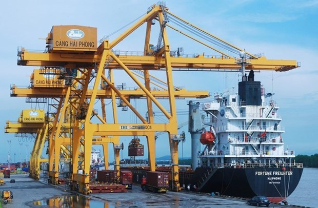 Vietnam records nearly 5.6 billion USD in trade surplus hinh anh 1