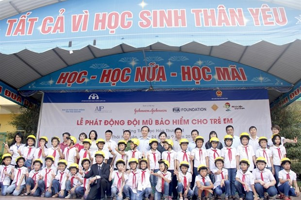 Helmets for Kids programme comes to Thai Nguyen province hinh anh 1
