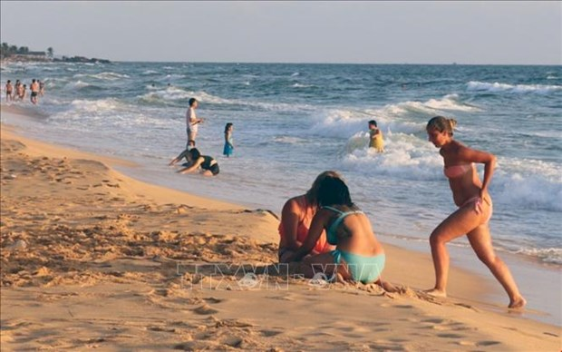 Phu Quoc eyes 2.5 million visitors this year hinh anh 1
