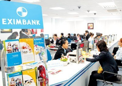 Vietcombank to cut stake in Eximbank hinh anh 1