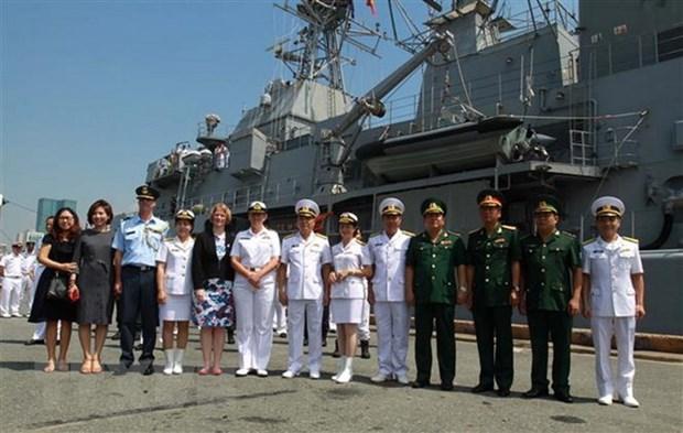 New Zealand's navy frigate visits Vietnam hinh anh 1