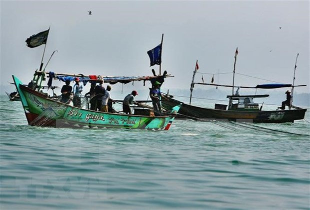 Abductors demand ransom for Indonesian fishermen hinh anh 1