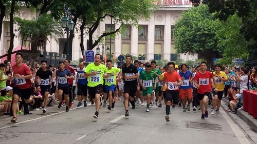 1,500 athletes to compete in 45th Ha Noi Moi Newspaper Run hinh anh 1