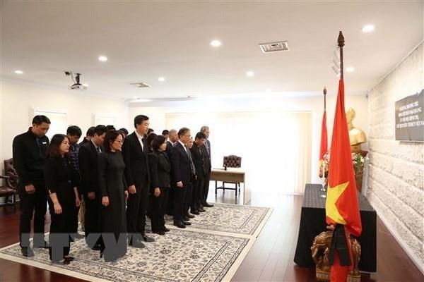 Australia hoists flag at half-mast for President Tran Dai Quang hinh anh 1