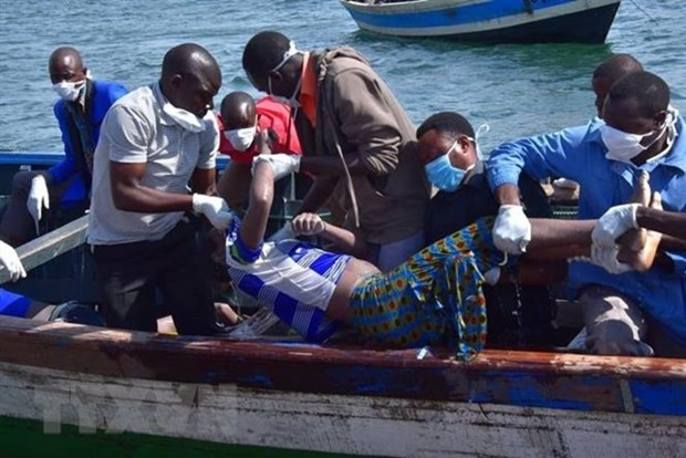 Vietnam offers condolences over deadly ferry accident in Tanzania hinh anh 1