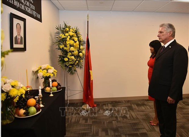 Vietnam's mission to UN opens funeral book for President Tran Dai Quang hinh anh 2