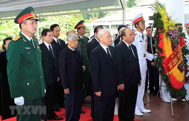 Party, State, NA, Gov't leaders pay tribute to President Quang hinh anh 1