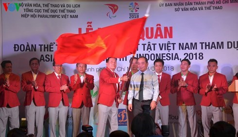 Vietnamese delegation departs for 2018 Asian Para Games hinh anh 1