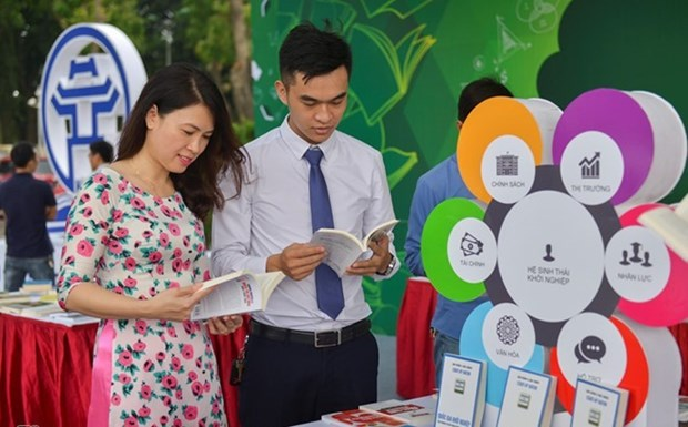 Book festival to highlight digital technology hinh anh 1