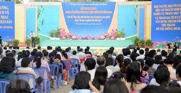 Life-long learning week launched in HCM City hinh anh 1
