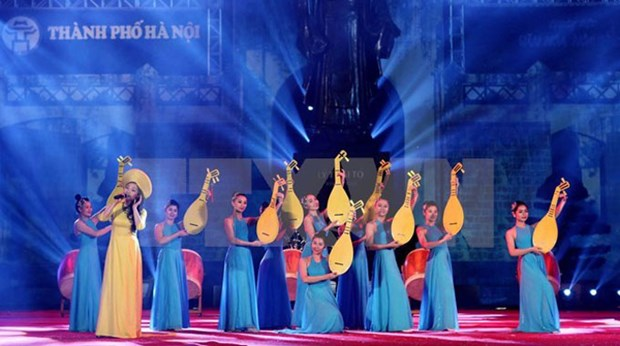 Cultural, art activities celebrate Hanoi's Liberation Day hinh anh 1