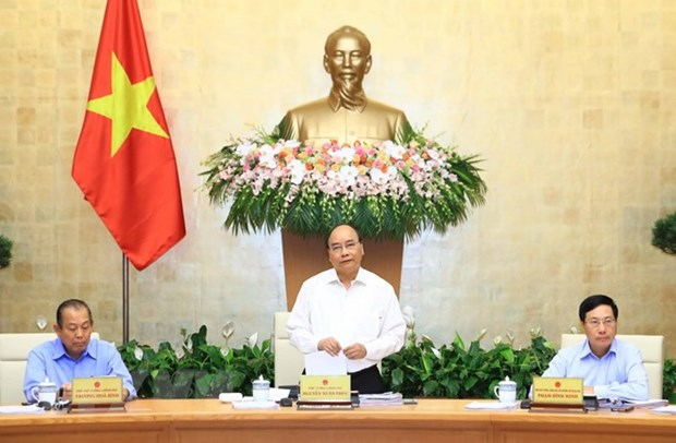 Government's meeting: GDP growth to aim above 6.7 percent hinh anh 1