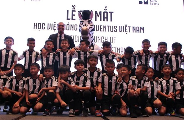 Juventus football academy in Vietnam opens hinh anh 1