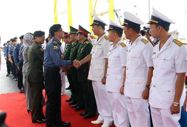 Bruneian naval ship pays three-day visit to Da Nang hinh anh 1